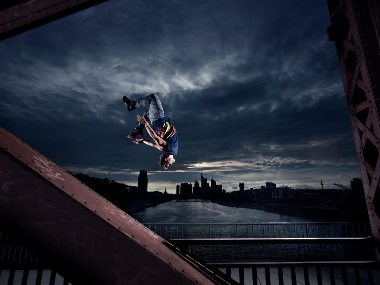Malte Frank | Postproduction RED BULL / JASON PAUL
